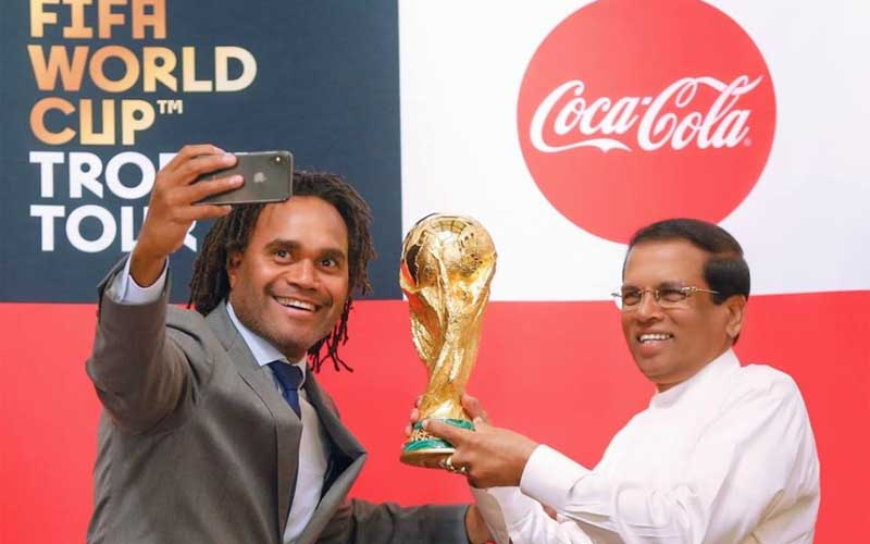 chatter.lkfifa-world-cup-trophy-handed-over-to-president-sirisena