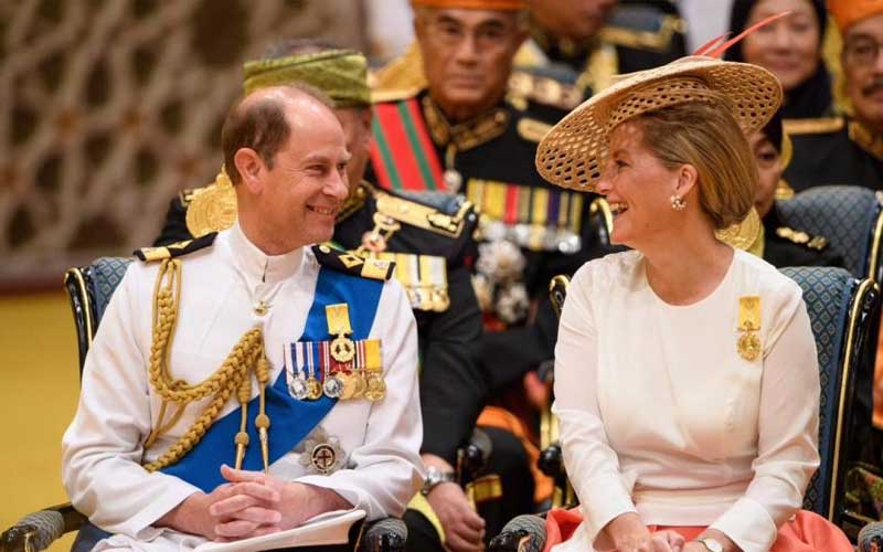 chatter.lkpressure-lankan-government-to-ensure-justice-to-war-victims-tamil-diaspora-urges-prince-edward