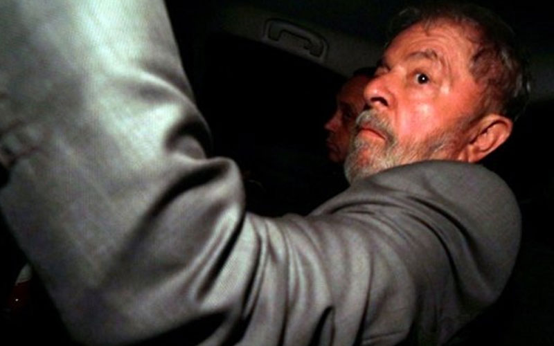 chatter.lkbrazil-judge-tells-lula-to-turn-himself-in-on-friday